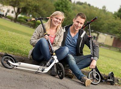 Top 7 degli scooter a ruote grandi per adulti del 2021 - Confronto e guida 20
