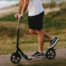 Top 7 degli scooter a ruote grandi per adulti del 2021 - Confronto e guida 18