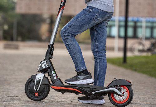 Aprilia eSR1 Scooter elettrico: recensioni, opinioni e offerte 2021 5