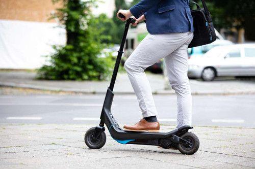 Gamma quasi illimitata su questi 3 scooter elettrici urbani del 2021 1